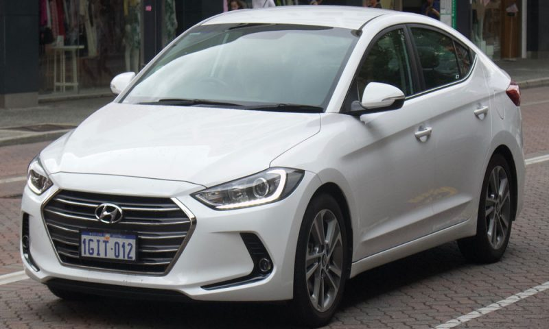 Hyundai Elantra: Pros and Cons